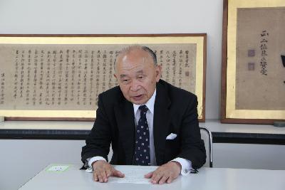 京極高晴さんから扁額を寄付いただきました 豊岡市公式ウェブサイト